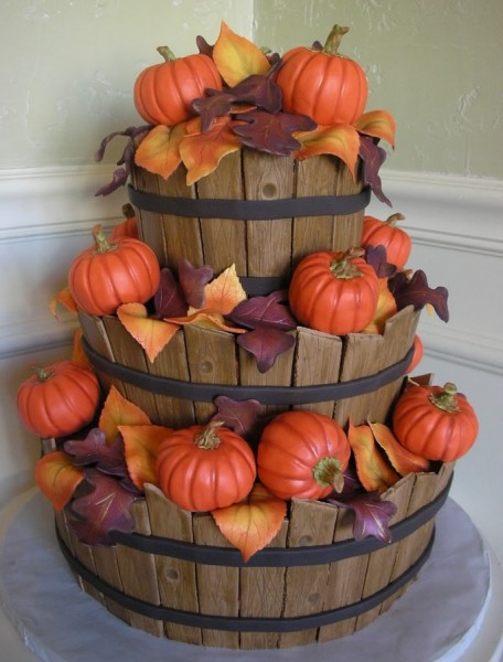 Thanksgiving cake or autumn wedding cake ideas for Autumn cake decoration