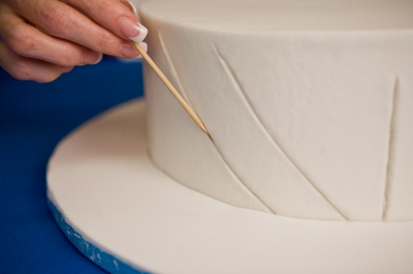 edna-buttercream-pleats-tutorial-3