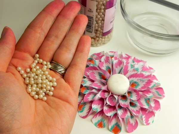 23 - Sugar Pearls-lucks-edible-image-dahlia