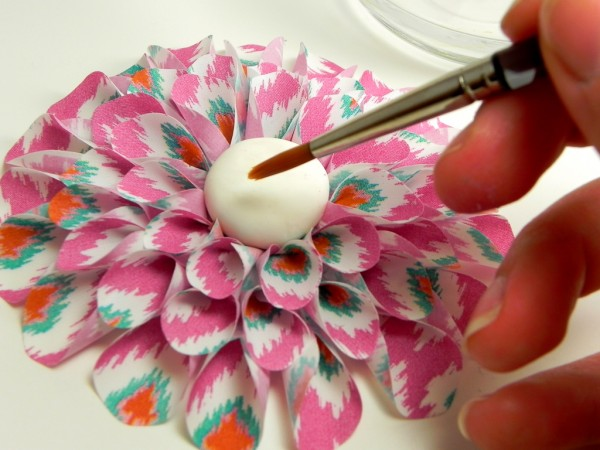 24 - Prepping Center For Pearls-lucks-edible-image-dahlia