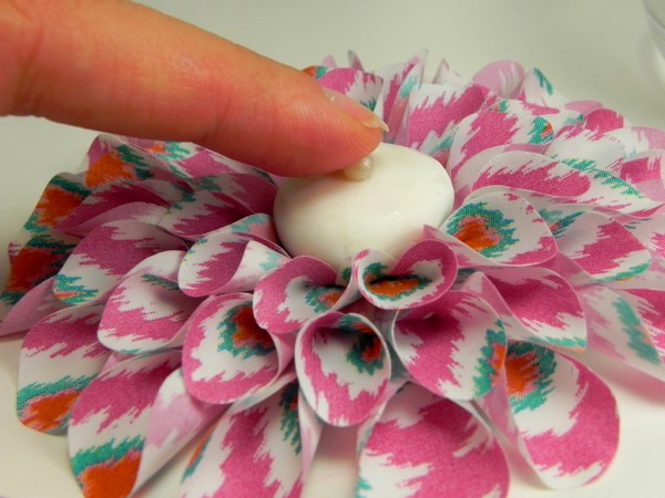 25 - Applying Pearls-lucks-edible-image-dahlia