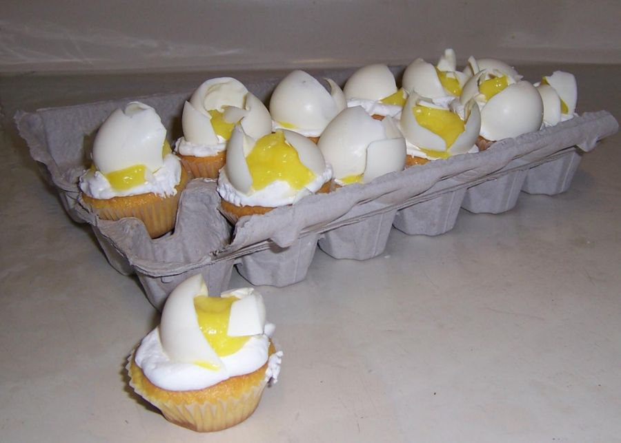 Cracked Egg Cupcakes!