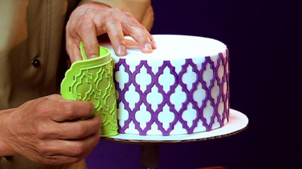 Fondant Cake Decorating Step By Step : How to Use Silicone Onlays - CakeCentral.com
