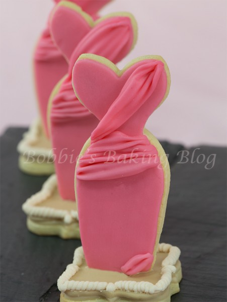 Fondant Dress Sugar Cookie Tutorial