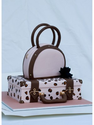 Suitcase and handbag Cake
