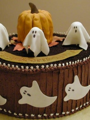 Ghostly Cake with Pumpkin