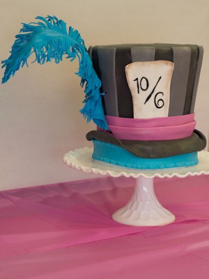 Mad Hatter Cake with hand sculpted gumpaste feather