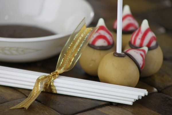 easy-roller-acorn-cake-pop-tutorial-15