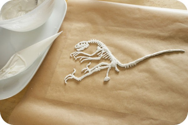 Royal Icing Dinosaur 3