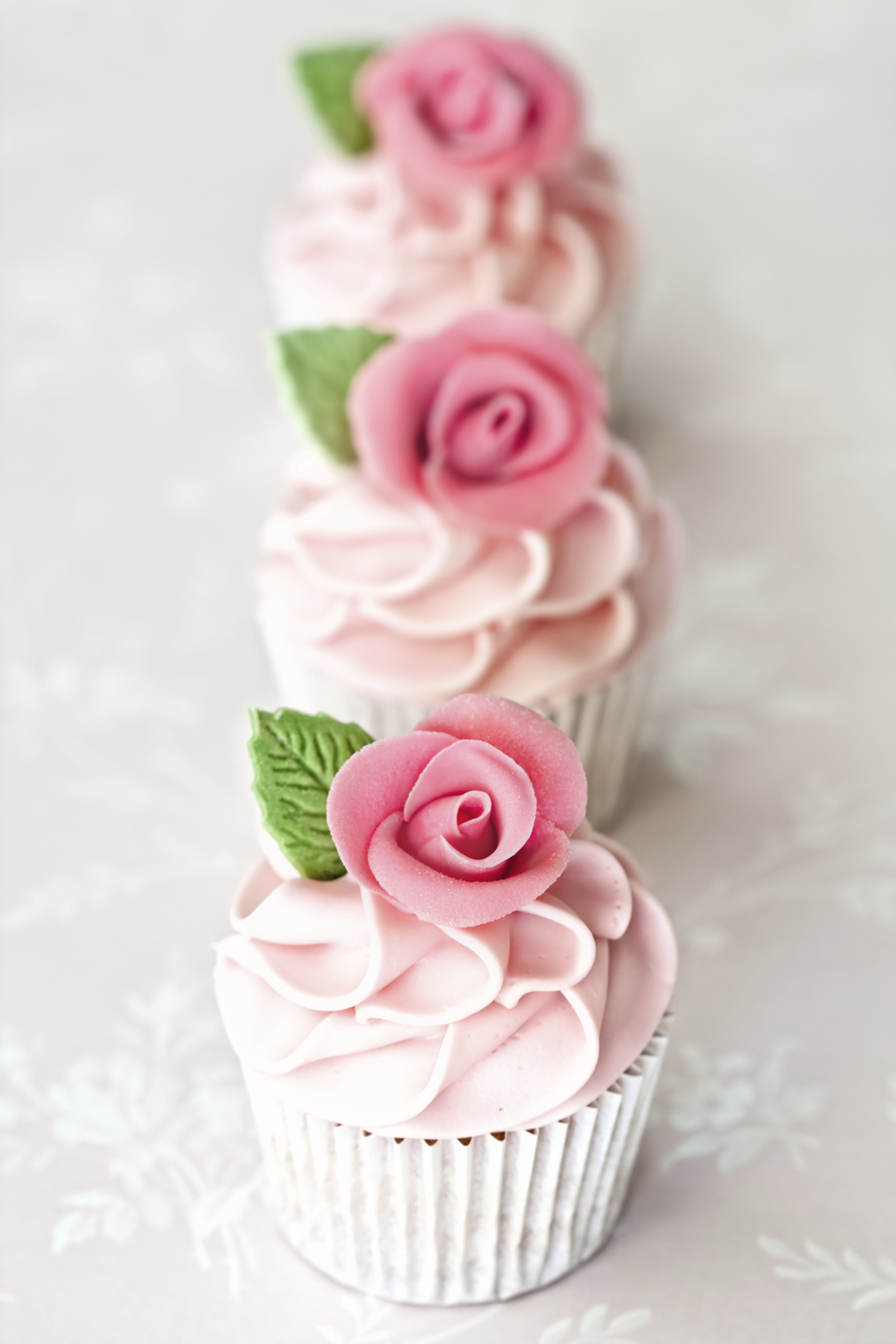 Almond Wedding Cake Cupcakes
