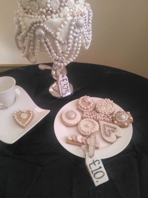 Buttons & pearls tea biscuits