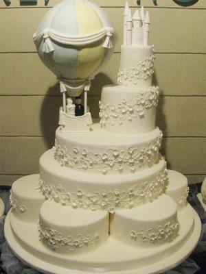 Fantasy Hot air balloon Wedding Cake