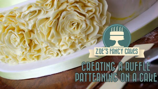 Creating a ruffle patterning on a cake