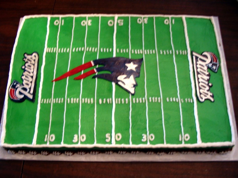 Cake Decorating Football Field : Top New England Patriots Cakes - CakeCentral.com