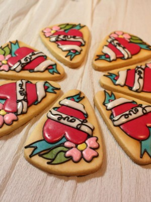 Tattoo inspired sugar cookies for Valentine's Day
