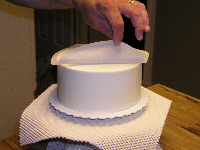 Can You Fridge The Cake With Fondant Icing