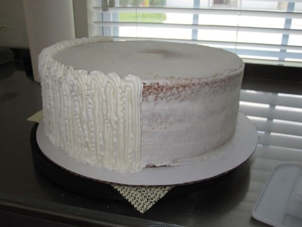 Is working with fondant easier than working with icing when decorating a cake?