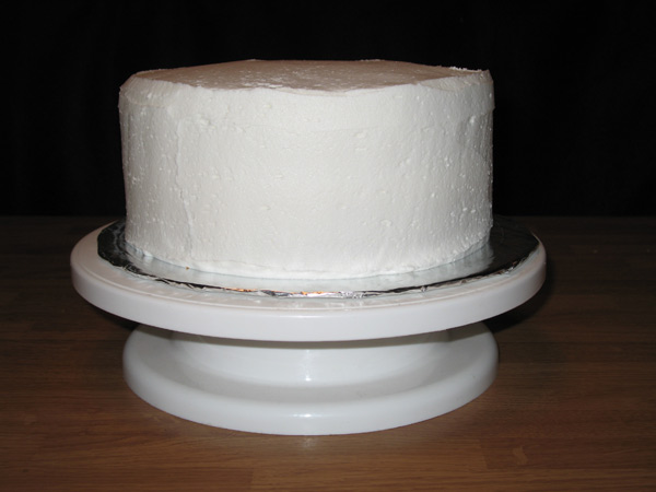 do fondant cakes need to be refrigerated