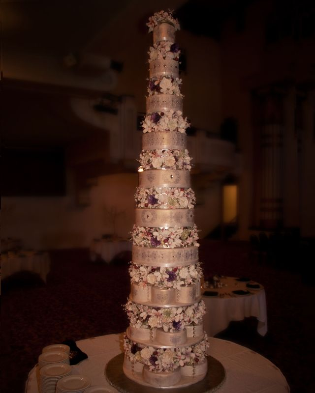 outrageous wedding cakes outrageous wedding cake pics reception project 18088