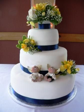 wedding cakes with flowers on top. Cake Gallery | Wedding Cakes