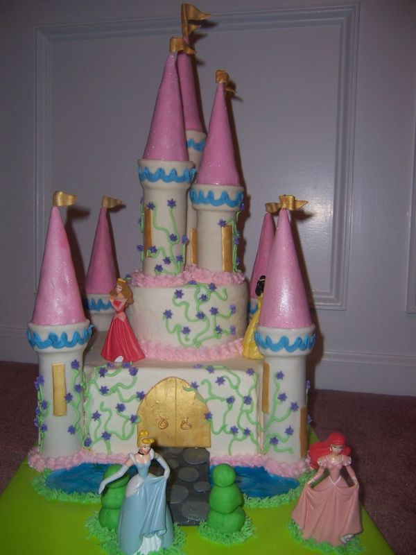 Castle Cake Uploaded By: Erika1276. I looked at the tutorial from Cake Boss