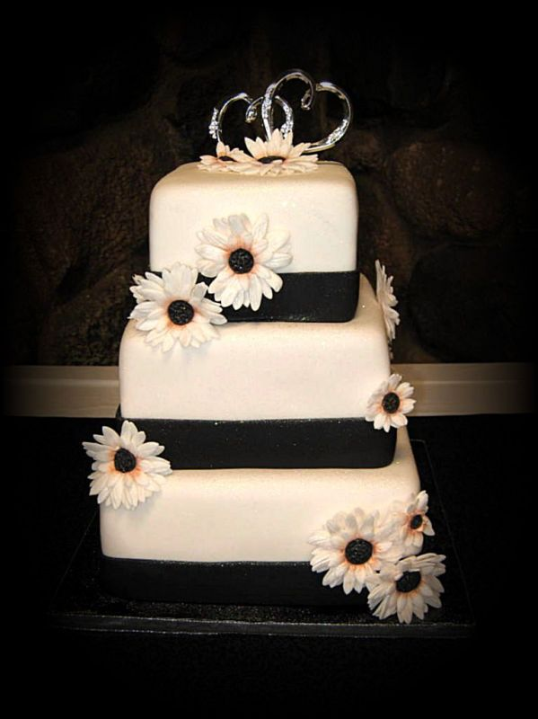 Cake Gallery | Wedding Cakes | Square Wedding Cakes · « prev · next ». Black