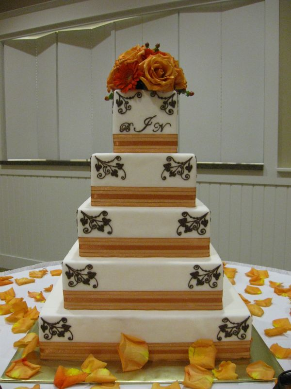 tan wedding cupcakes