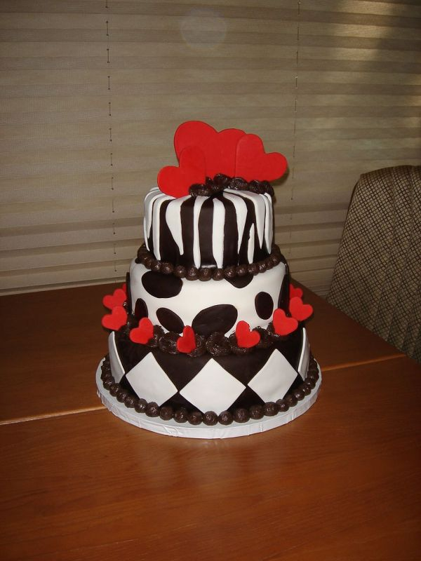 Black White and Red 17th Birthday Cakes Designs