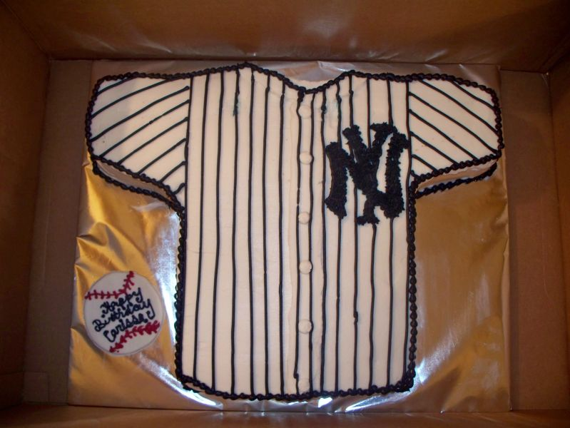 New York Yankees Uploaded By: Trance. Marble cake covered with BC
