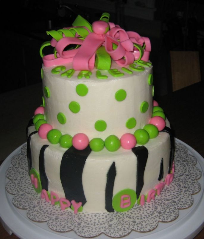 birthday cakes pink and green