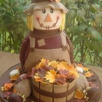 ace-of-cakes-totally-awesome-cake-challengescarecrow