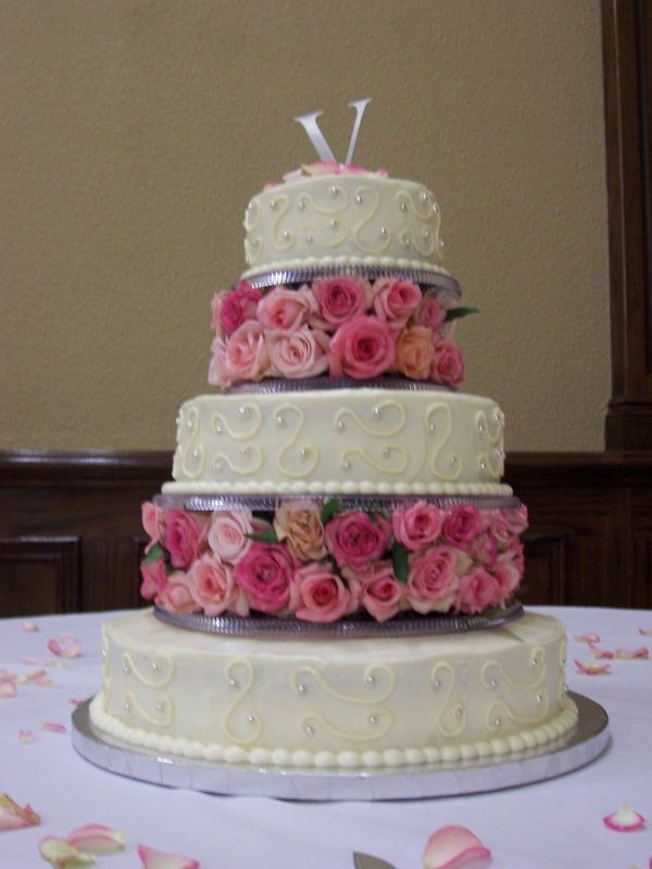 Wedding Cakes With Flowers Between Layers
