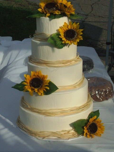 Sunflower wedding cake By jammjenks This was a display cake for our