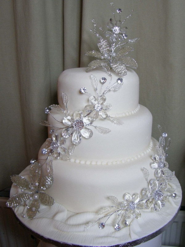 39Bling 39 Wedding Cake By cakesunlimited