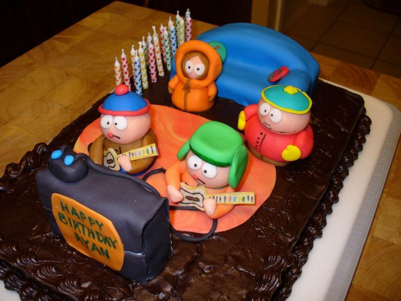 http://media.cakecentral.com/modules/coppermine/albums/userpics/56889/normal_rybday2008.JPG