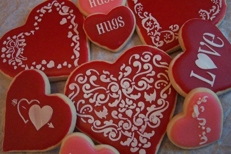 Here's a few of the cookies I've done for Valentine's Day.