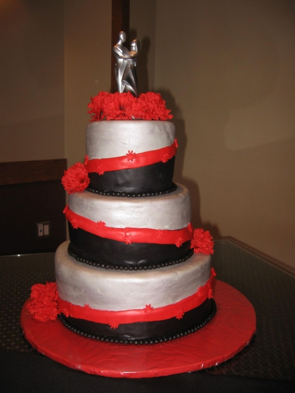 Red black silver wedding cake By dinas27