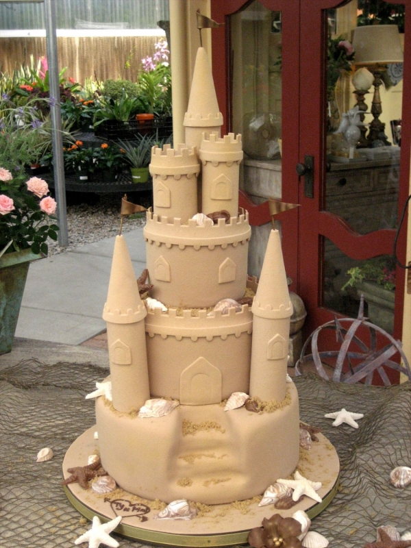 Cake Decorating Making Sand : Sand castle wedding cake--Perfect for a beach wedding! How ...