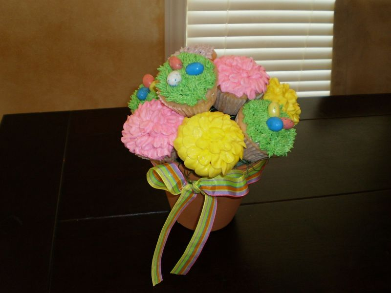 easter cupcakes pictures. Easter Cupcake bouquet