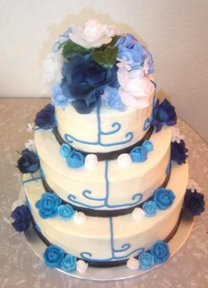 Round Wedding Cakes With Flowers