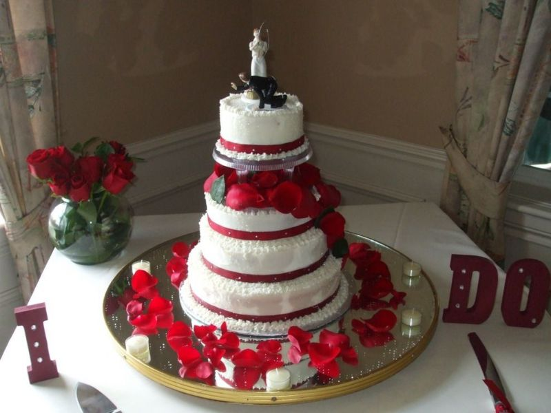 red and white wedding cakes with fountains 33 amazing and white centerpieces for weddings table 19103