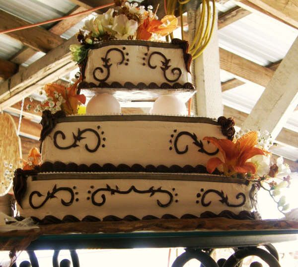 Western Wedding Cake Ideas: Resee's Blog: Romantic Candlelight Lanterns Flicker To