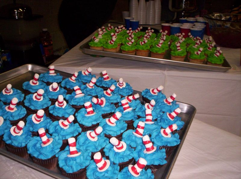 Cat-in-the-hat cupcakes.