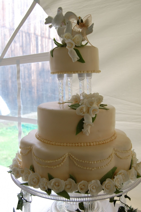 wilton wedding cake