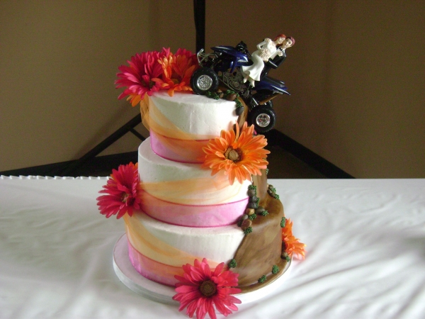 fall wedding outside arch This was my first wedding cake I was so nervous