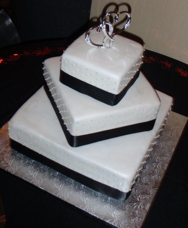 black and cream wedding theme. The wedding theme was white,