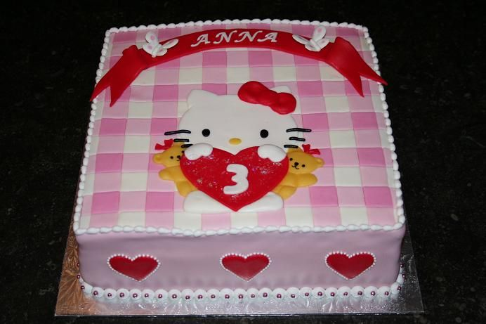 images of hello kitty cakes. Hello Kitty cake
