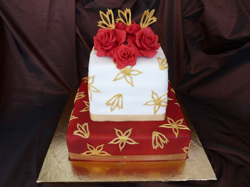 Red And Gold Wedding Cakes Red